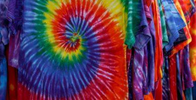 Cómo hacer tu propia camiseta Tie Dye