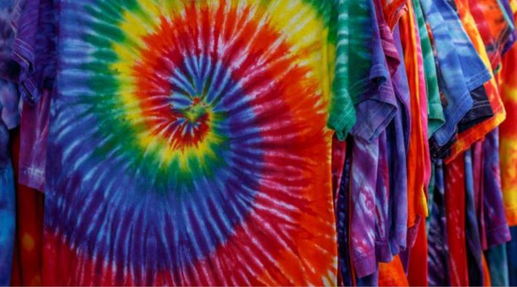 Manualidades Tie Dye. Camisetas Tie Dye Colores del Arcoíris.